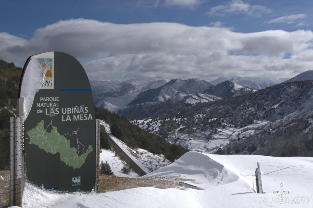 Panel indicador del límite del Parque de las Ubiñas, justo en San Lorenzo.
