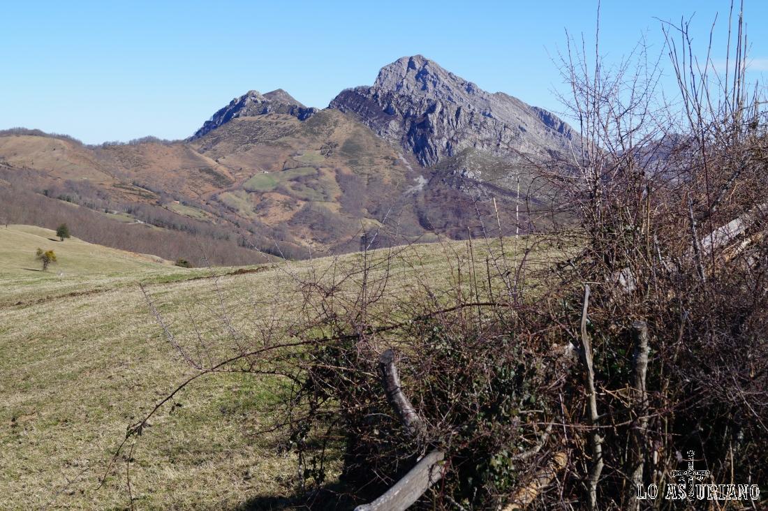 Pico Carriá, de 1453 metros.