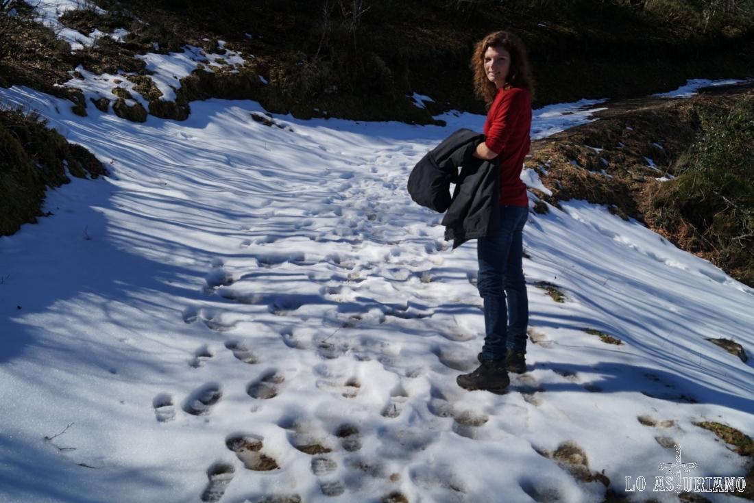 Primeras nieves en el camino, en este principio de marzo.