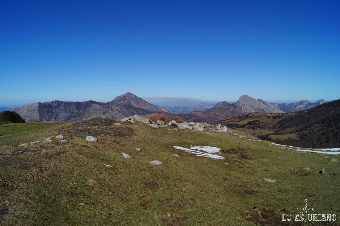 A 1392 metros, en la collada de Les Caldes.