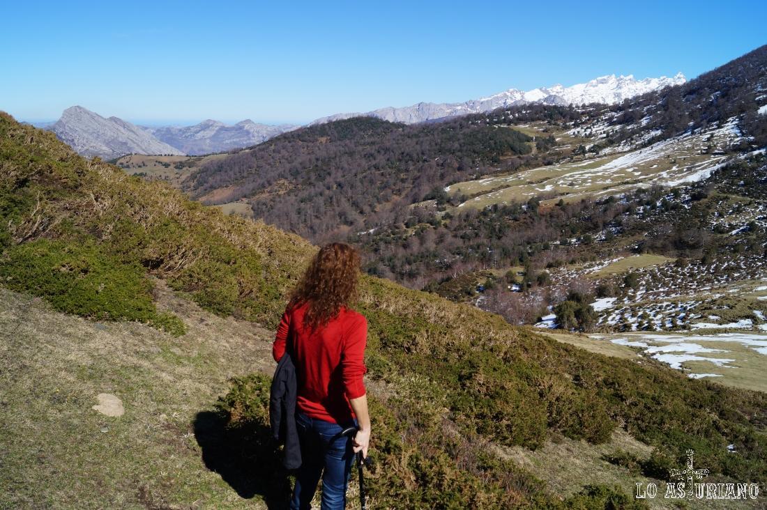 Descanso con ya cada vez mayores vistas: Picos de Europa y el Carriá, por ejemplo.