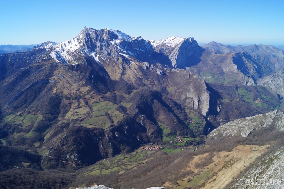 Sobrefoz, Beleño, el Tiatordos, peña Taranes, bonitos recobecos del Parque Natural de Ponga.