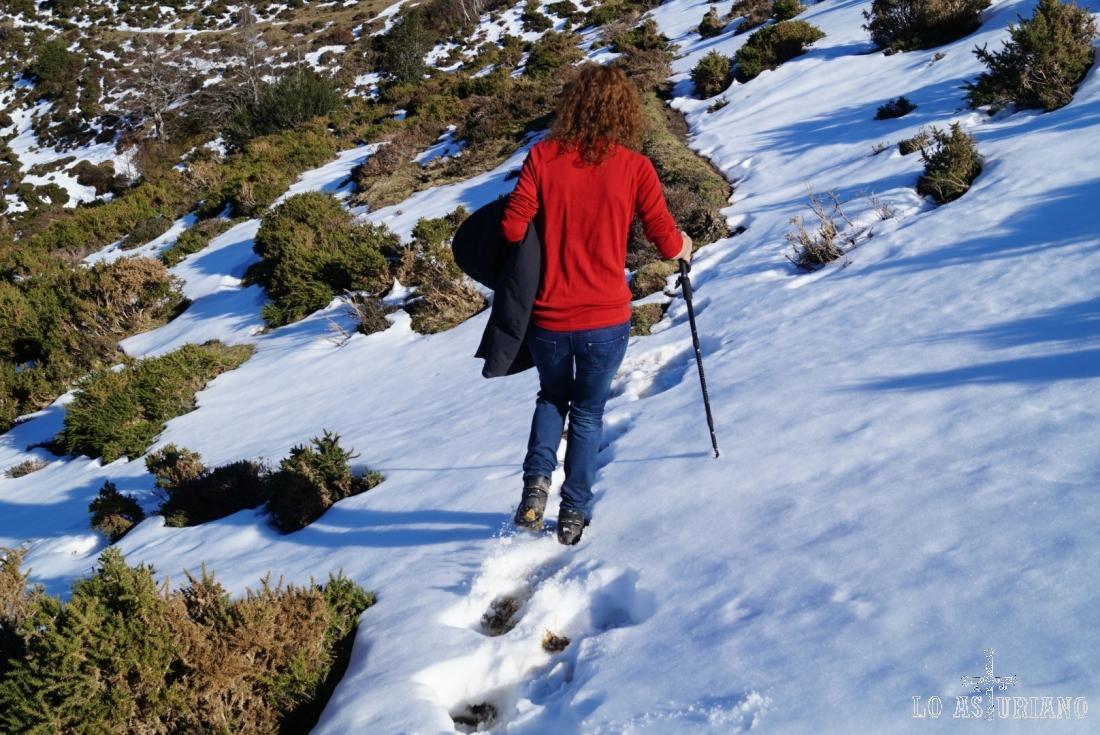 A veces la nieve de fin del invierno tiene zonas más heladas, más blandas, más duras...: un poco de todo.