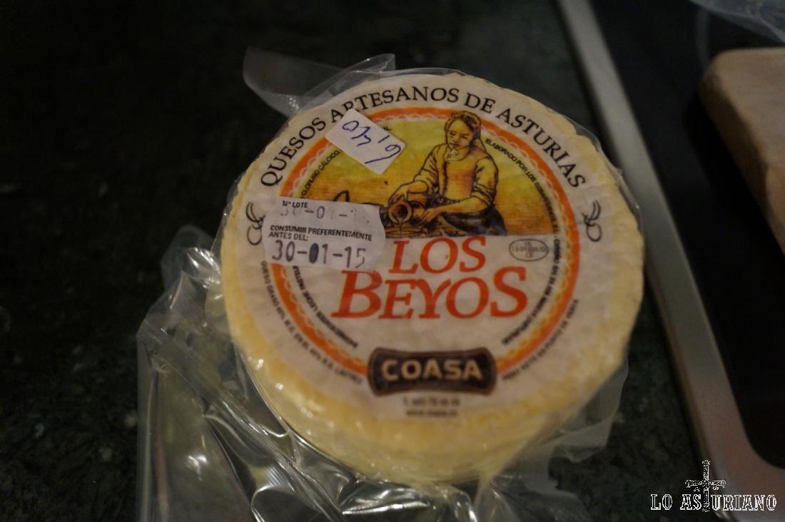 """El delicioso queso de vaca """"Los Beyos"""", que compramos en Viegu, Ponga."""