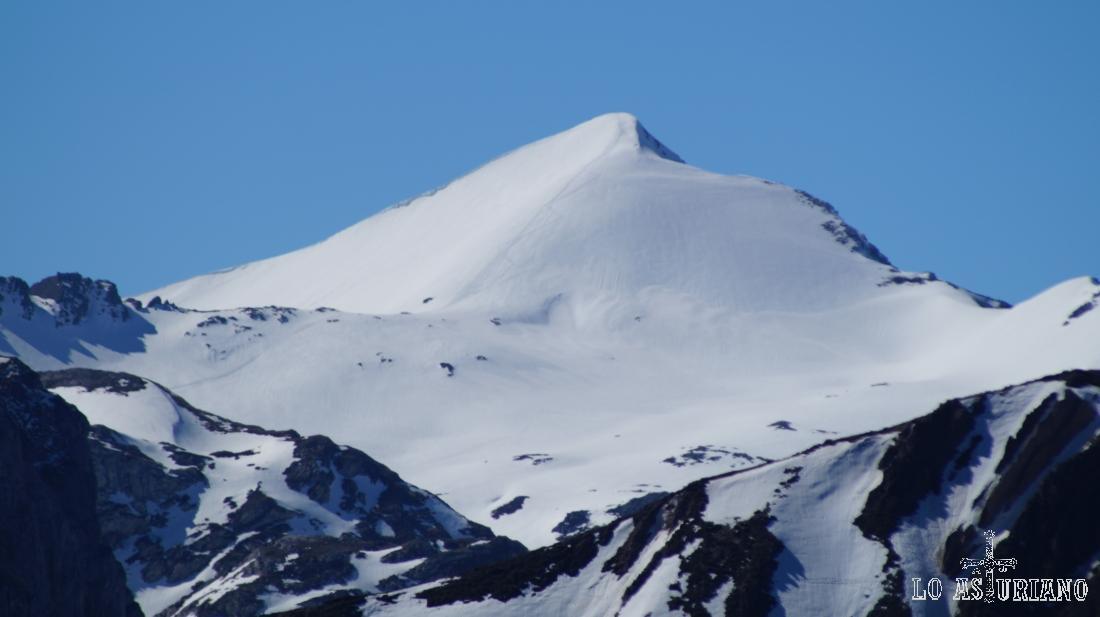 La cima del Cornón, con 2188 msnm, cima de Somiedo.