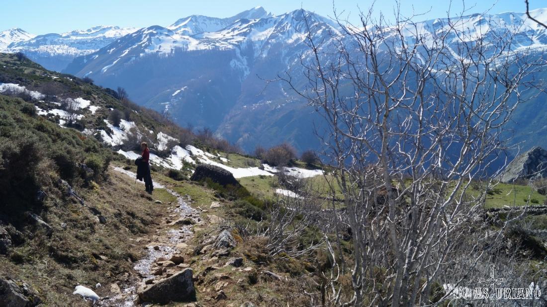 Las cimas de Somiedo pueden tener nieve, a veces, hasta principio del verano.
