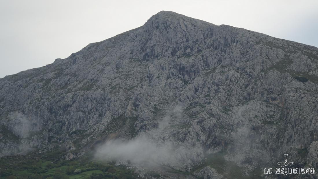 Peña la Gradura, 1159 msnm.