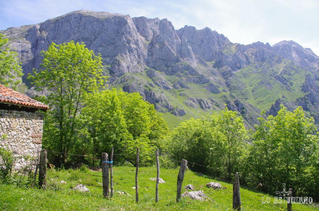 Brañas pastoriles en Amieva.
