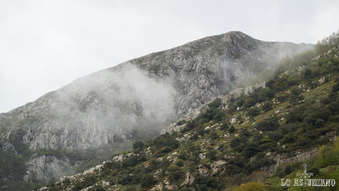 La sierra de Peña Gradura, que es accesible desde Fabar.