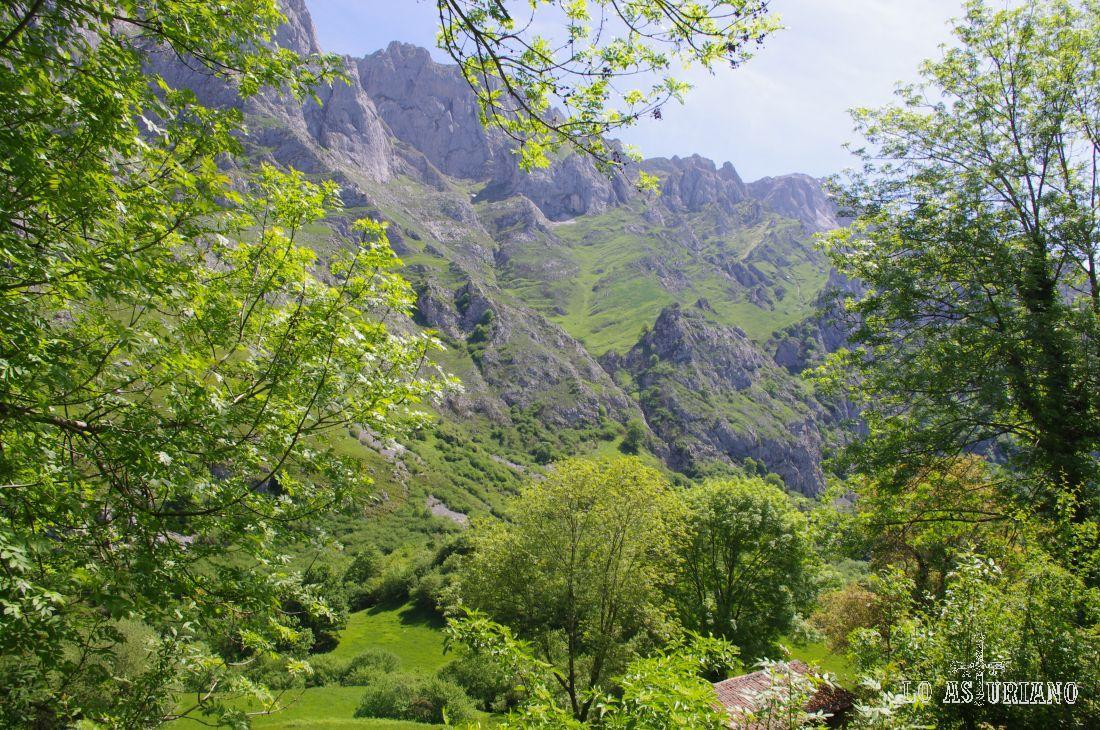 Picos Garita Cimera y, posteriormente, la Garita Bajera, según me sopló un avezado montañero.