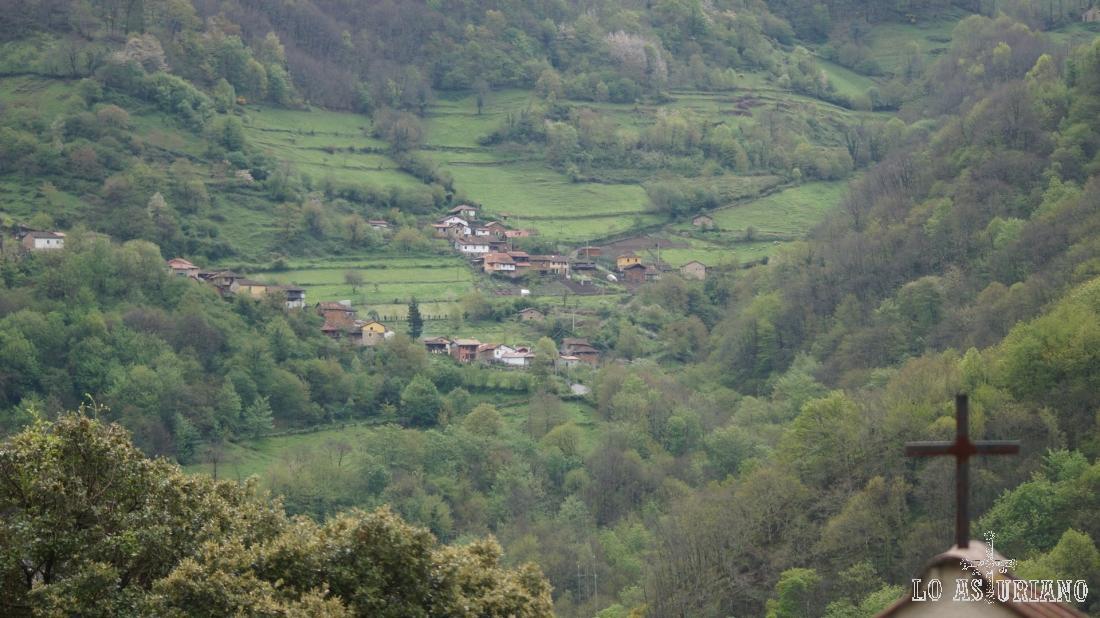 Santa María, en el valle del río Teverga.