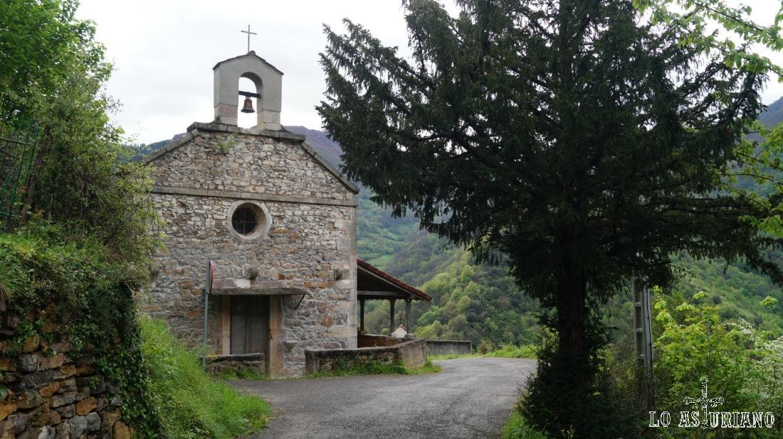 La coqueta iglesia de San Pedro.