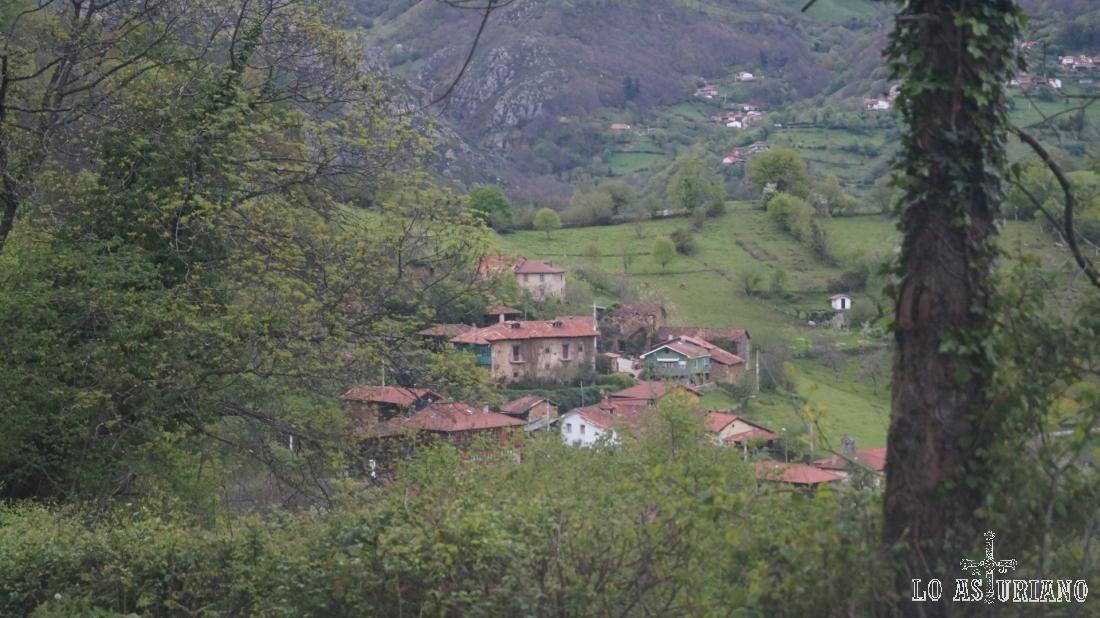 Proacina, el el valle del regato de Proacina.