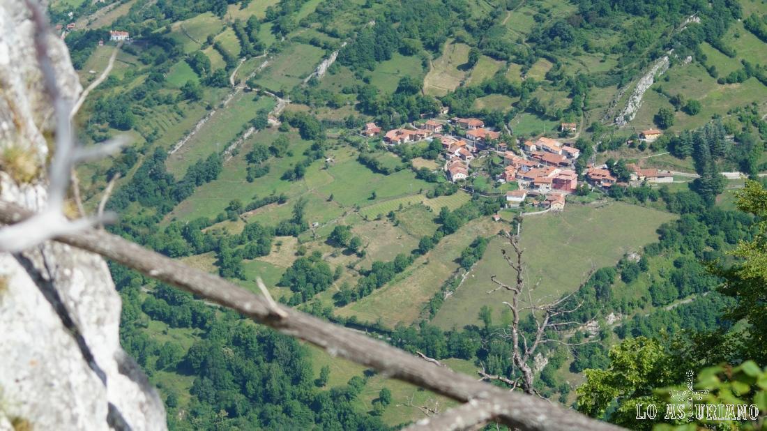 Fresnedo con el zoom; este es el pueblo que estaba cerca de la salida de la ruta.