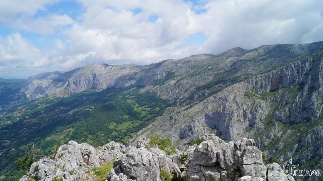 El macizo rocoso de Sobia, que en la parte superior tiene una importante anchura.