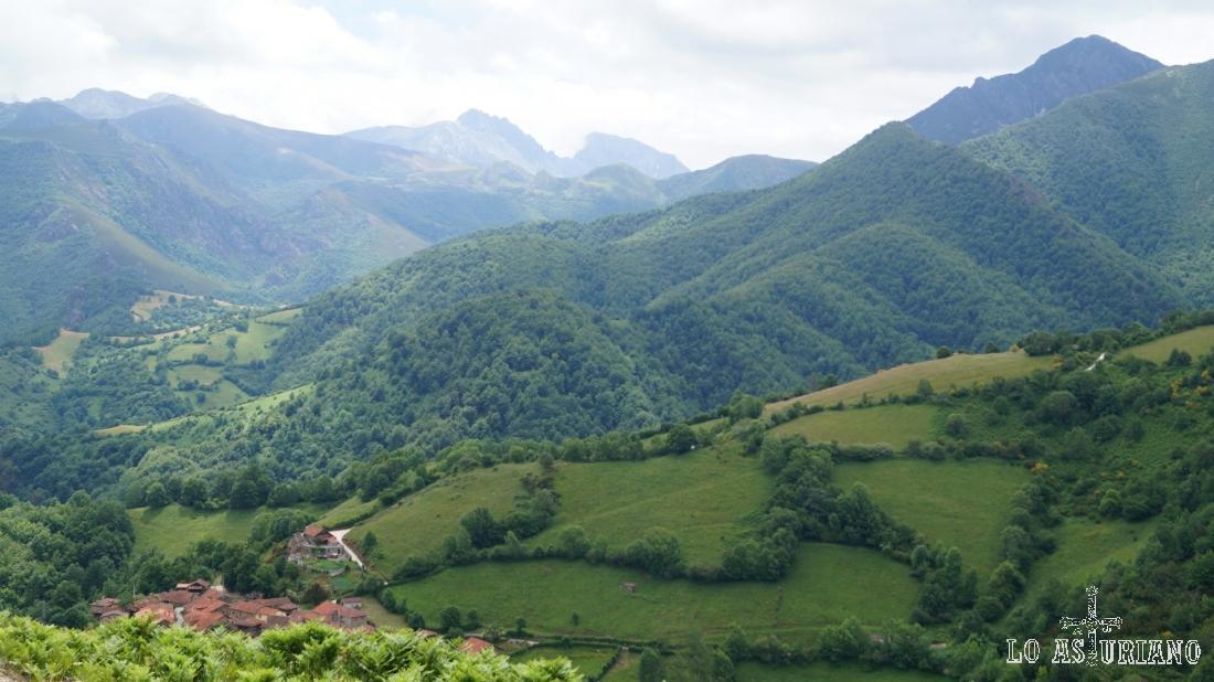 Tremendos los paisajes veraniegos en esta fresca zona de la península.