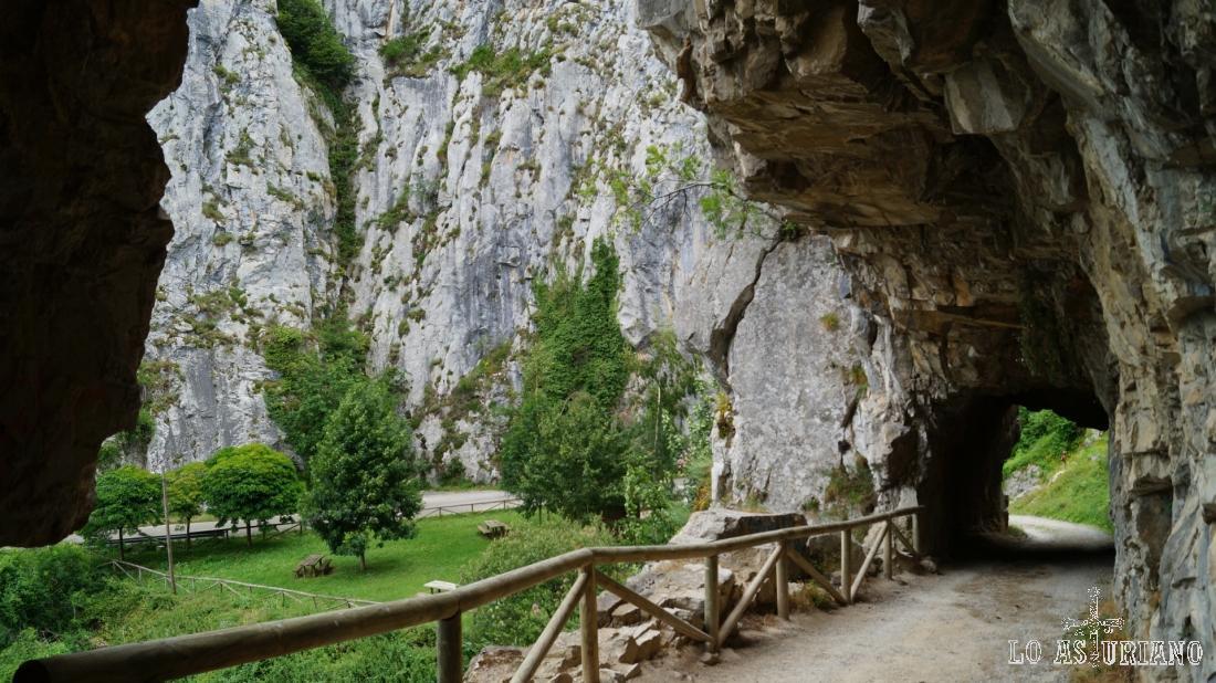 En los túneles, ya en cueva Huerta.