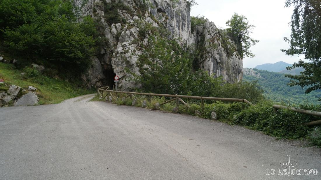 Parking de Cueva Huerta, inicio y fin de la ruta.