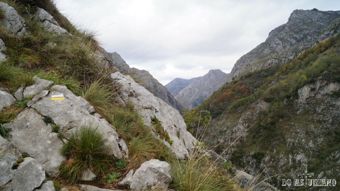 Esta senda recibe el nombre del camino que seguía el cartero para recorrer las remotas aldeas del lugar.