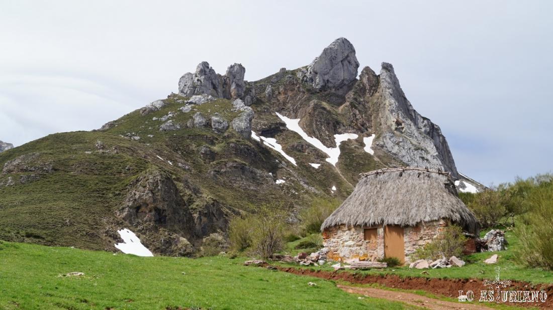 Los Esperones, con 1841 msnm