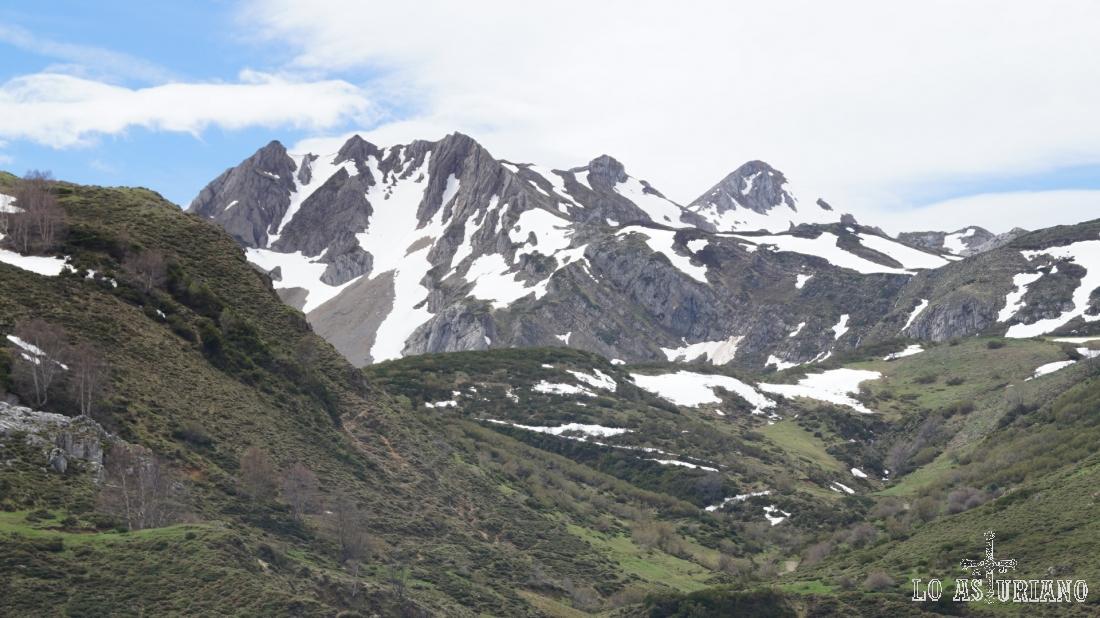 paredes del circo glaciar de Murias Llongas