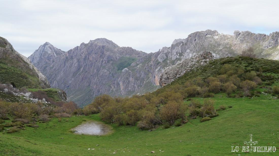 La Estaca y el Valle del Lago