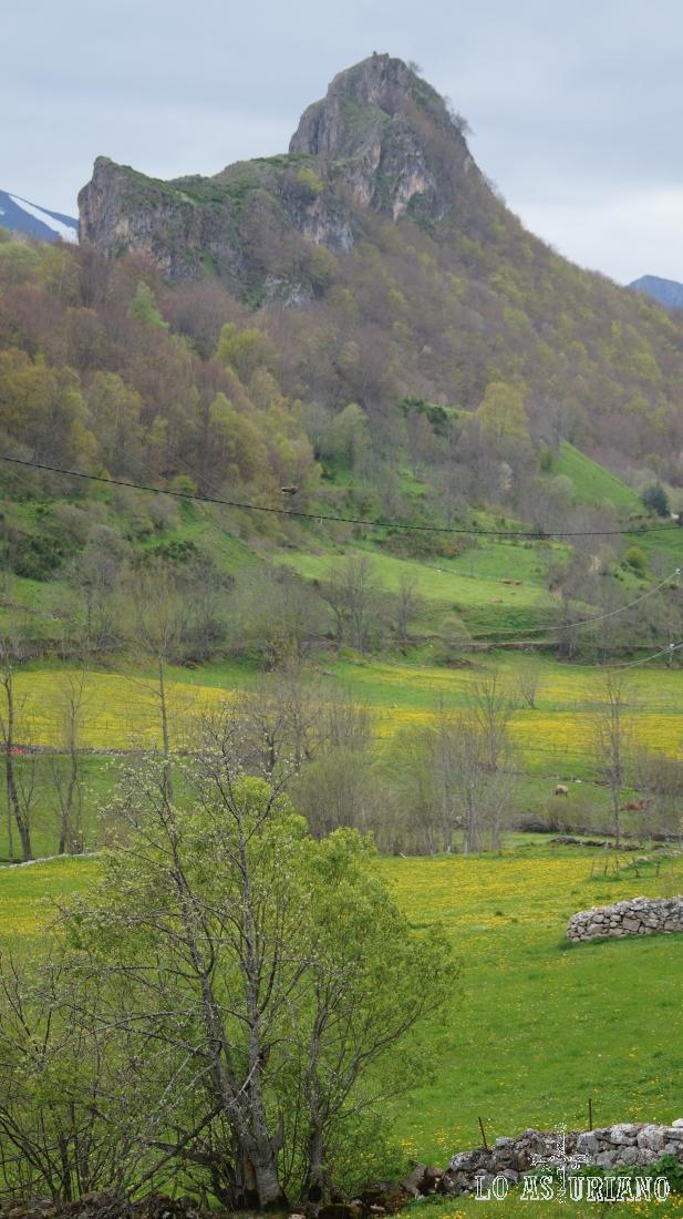 Peña Castiello, Valle de Lago