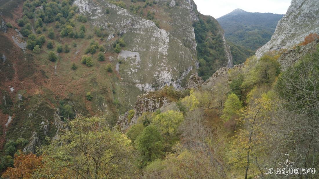 Adivinando ya la foz de los Andamios, el precioso desfiladero del río Vibolí. Luego lo veremos.