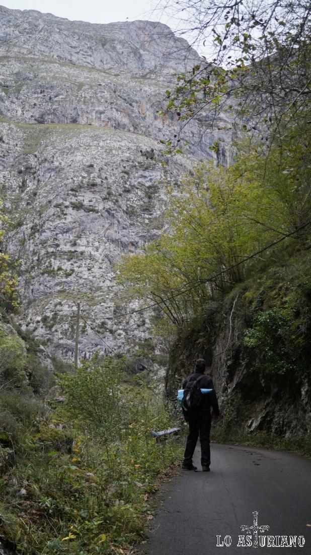 La senda del Cartero, preciosa ruta senderista, en el concejo de Ponga, Asturias.