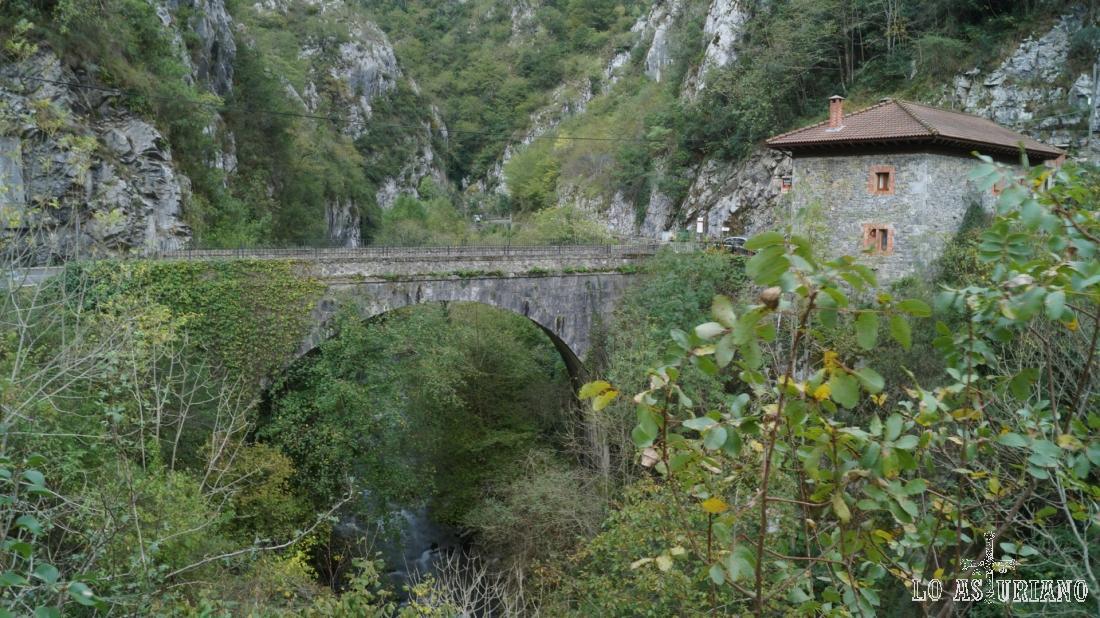 La venta y el puente de la Agüera, Ponga, Asturias