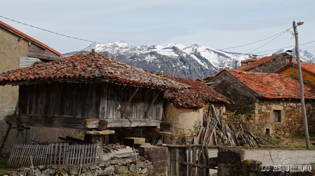 Hórreo en La Focella, Teverga, Asturias.