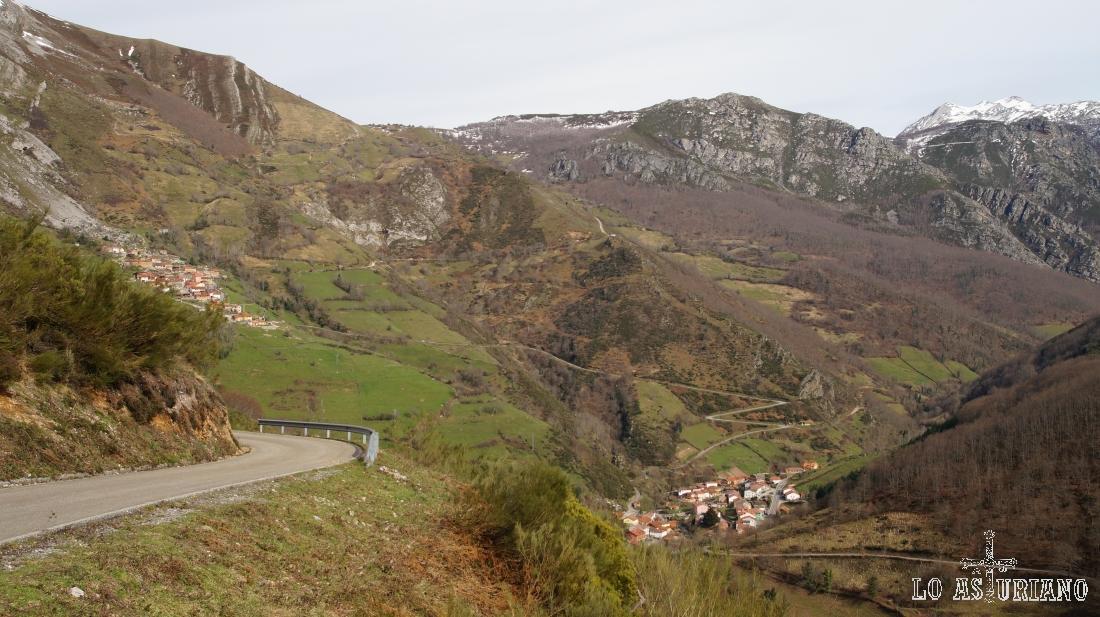 A la izquierda Villa de Sub, y abajo, en el valle, Páramo, que da nombre al mismo.