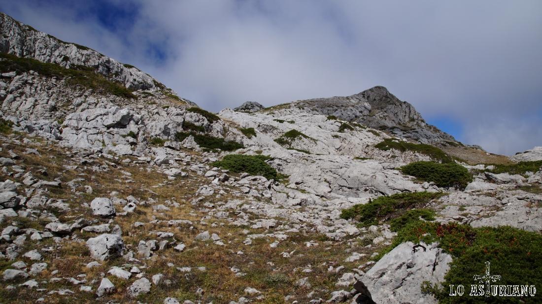 Este es el pico la Llávana, que tomamos como referencia en esta parte de la subida.