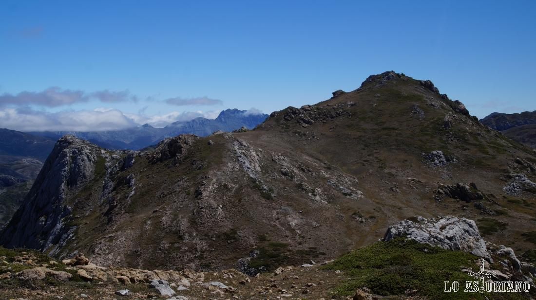 Pico Albo Oriental, con sus 2103 m.