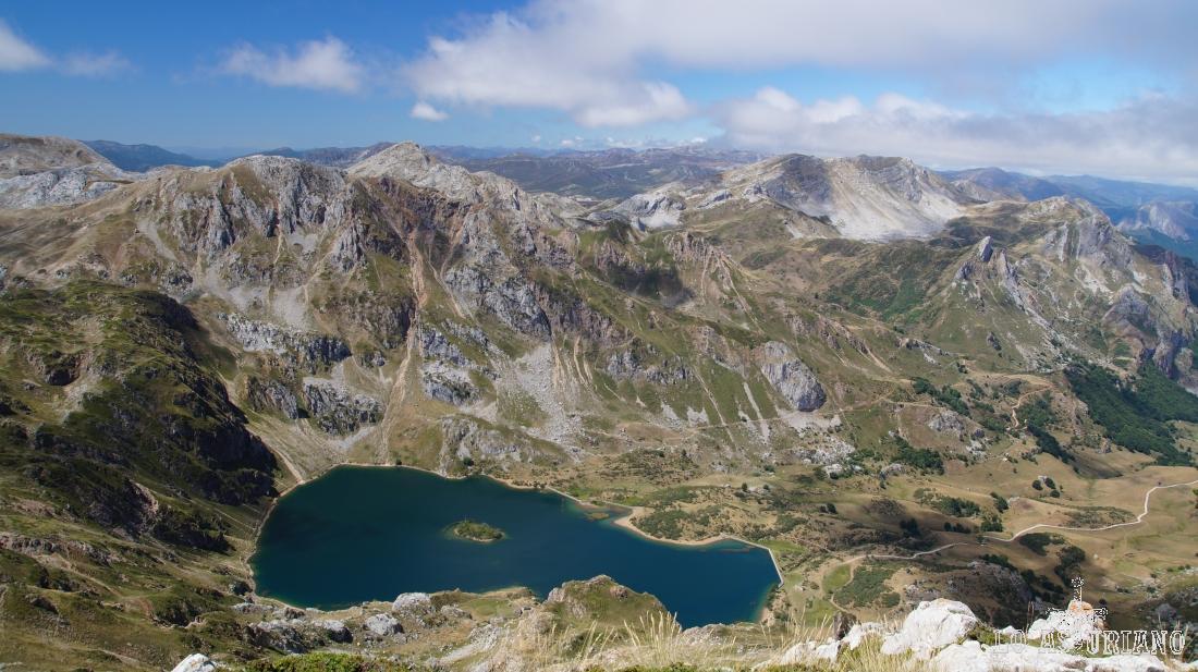 El Valle del Lago y el lago, en el seco verano de 2015.