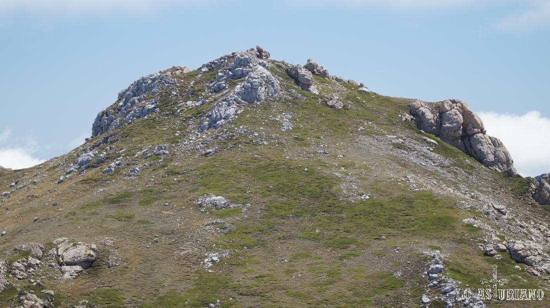 Descendemos, el pico Albo Occidental queda atrás.