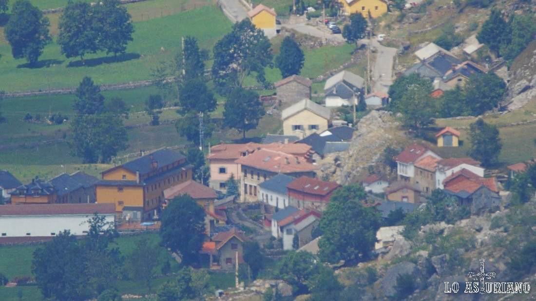 Valle de Lago desde Pico Albo Occidental, a más de 6 km.