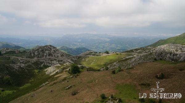 La subida hacia los lagos de Covadonga.