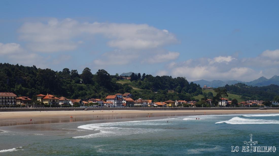 Playa de Santa Marina o playa de Ribadesella.