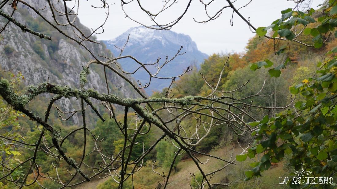 La peña Casar, en el Parque Natural de Redes, Asturias.
