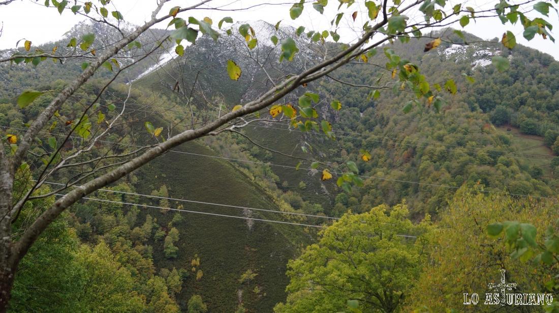 Los árboles van comenzando a tomar ese maravilloso aspecto otoñal.