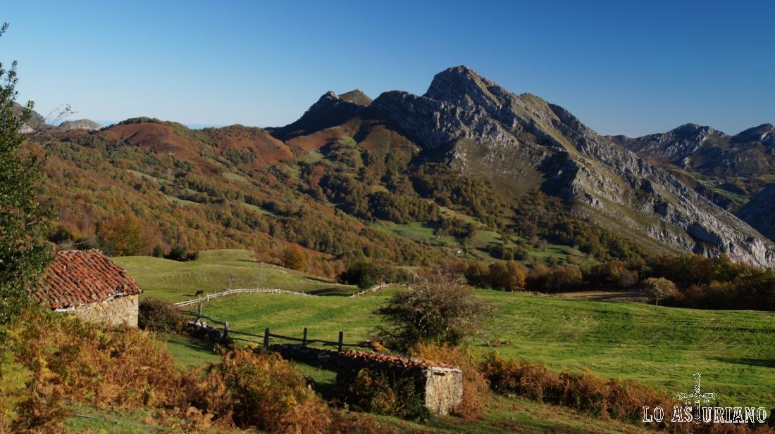 El pico Carriá y las majadas les Bedules, en el concejo de Ponga, Asturias.
