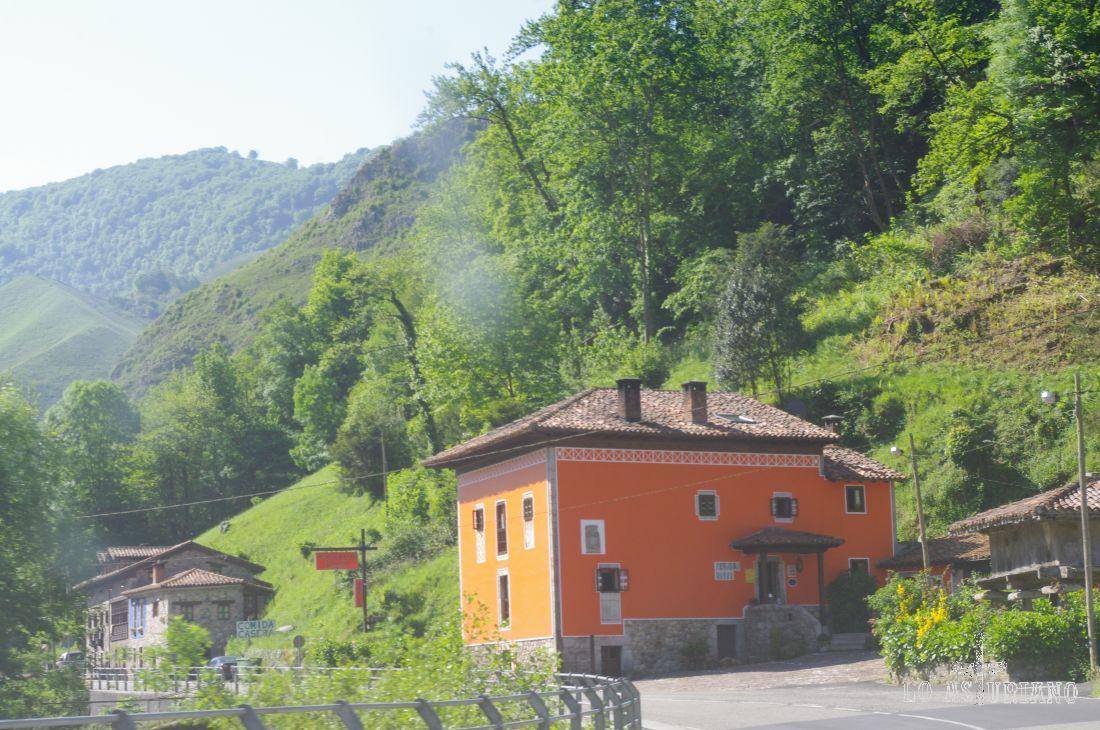 Casona Peñalba, en la carretera de Covadonga. <br><br> www.casonapenalba.com