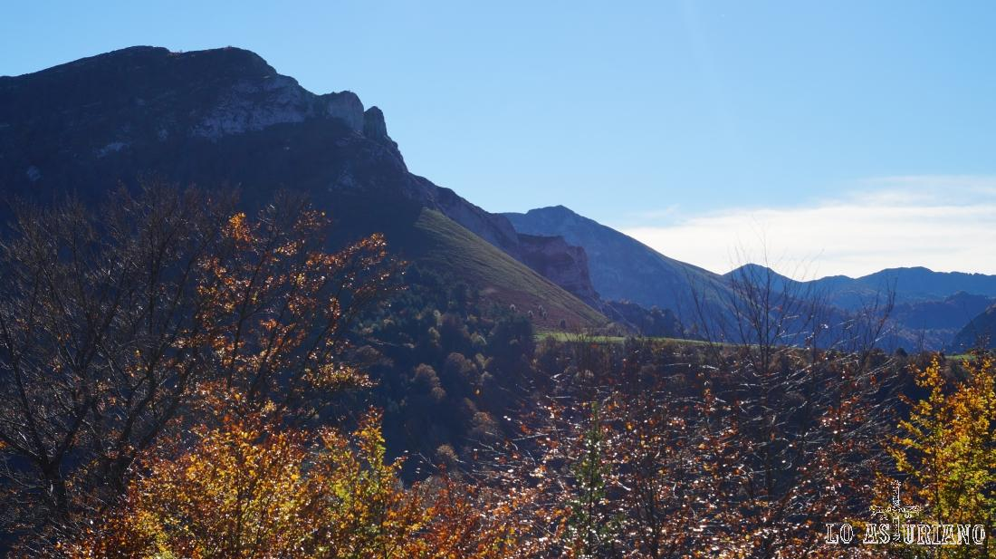 El Sen de los Mulos, con sus 1505 m, la meta del día.