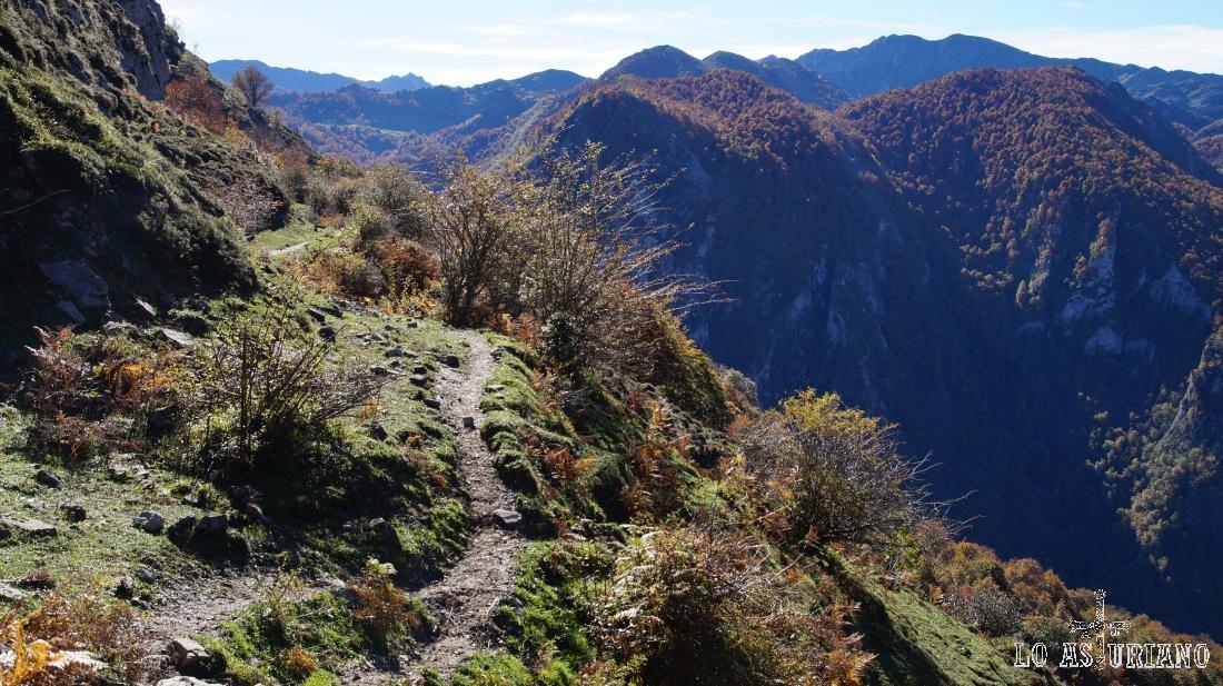 Las estribaciones de la Sierra de Rumiadas, en Ponga.