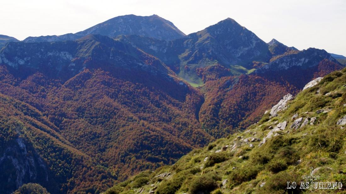 Picos Ten y Pileñes, en los lindes con Maraña, León.