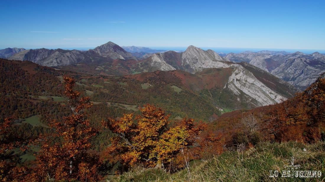 Paisajes del concejo de Ponga en otoño.