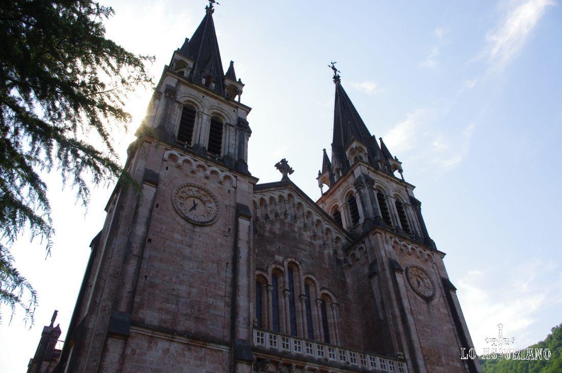 Agujas de la Basílica de Covadonga.
