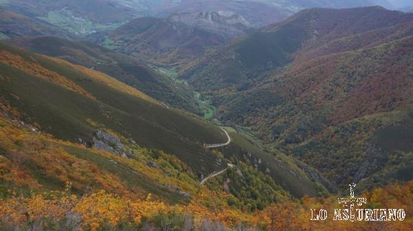 Tenemos una amplia vista del valle, con Moal, al fondo.