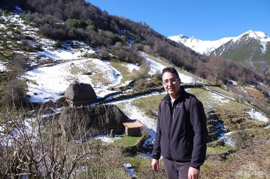 Brañas en la Pornacal, que es uno de los mejor conservados conjuntos de brañas en los montes asturianos. Hay unas 40 brañas, perfectamente dispuestas, en medio del precioso valle del río Pigüeña.